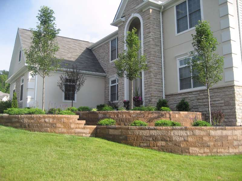 Retaining Wall with Versa-Lok