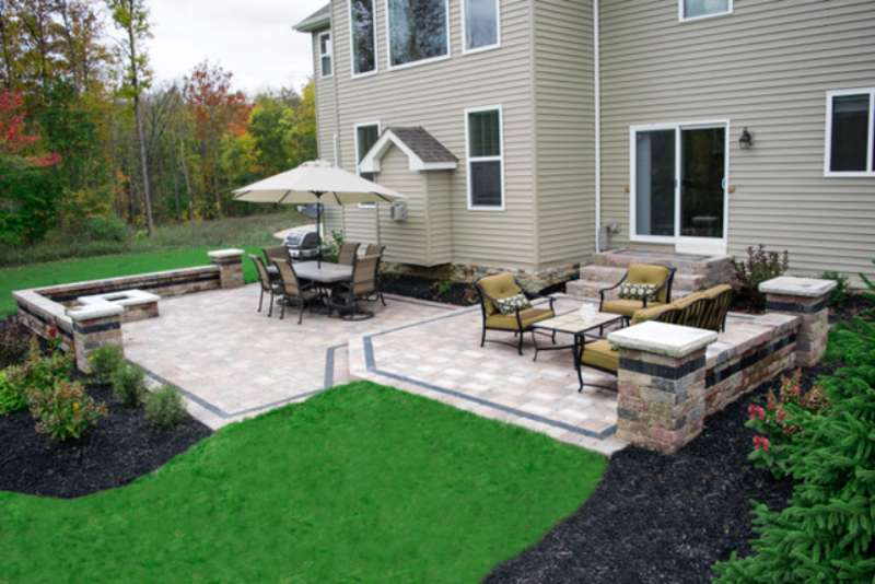 Unilock Patio with Brussel Pavers