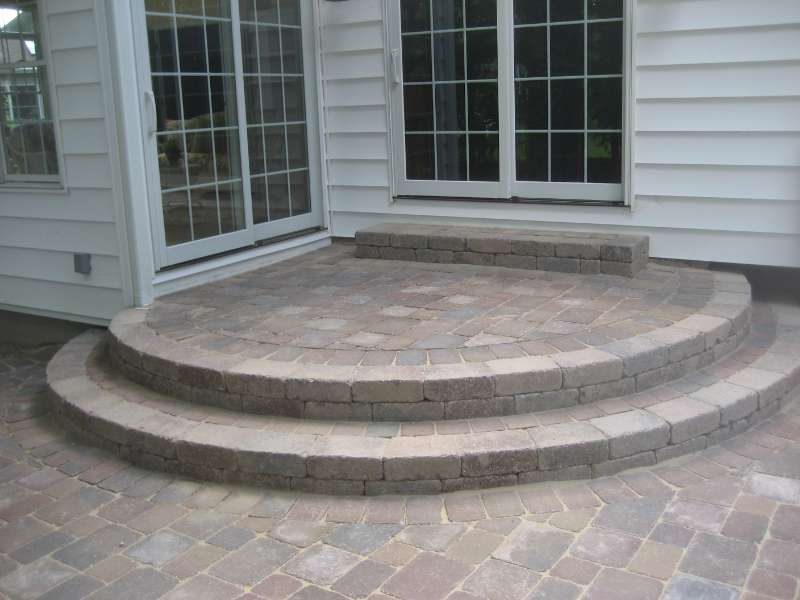 Patio Steps with Brussel Block and Camelot Pavers