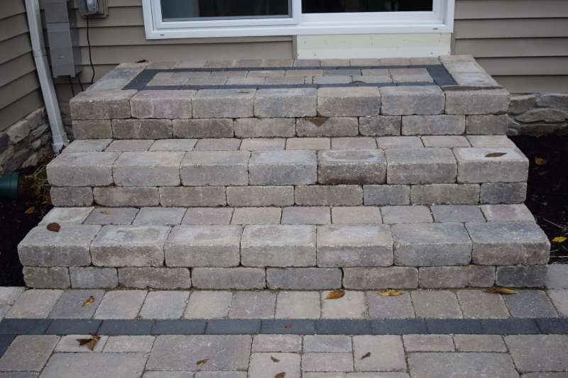Patio Steps with Brussel Block and Brussel Pavers